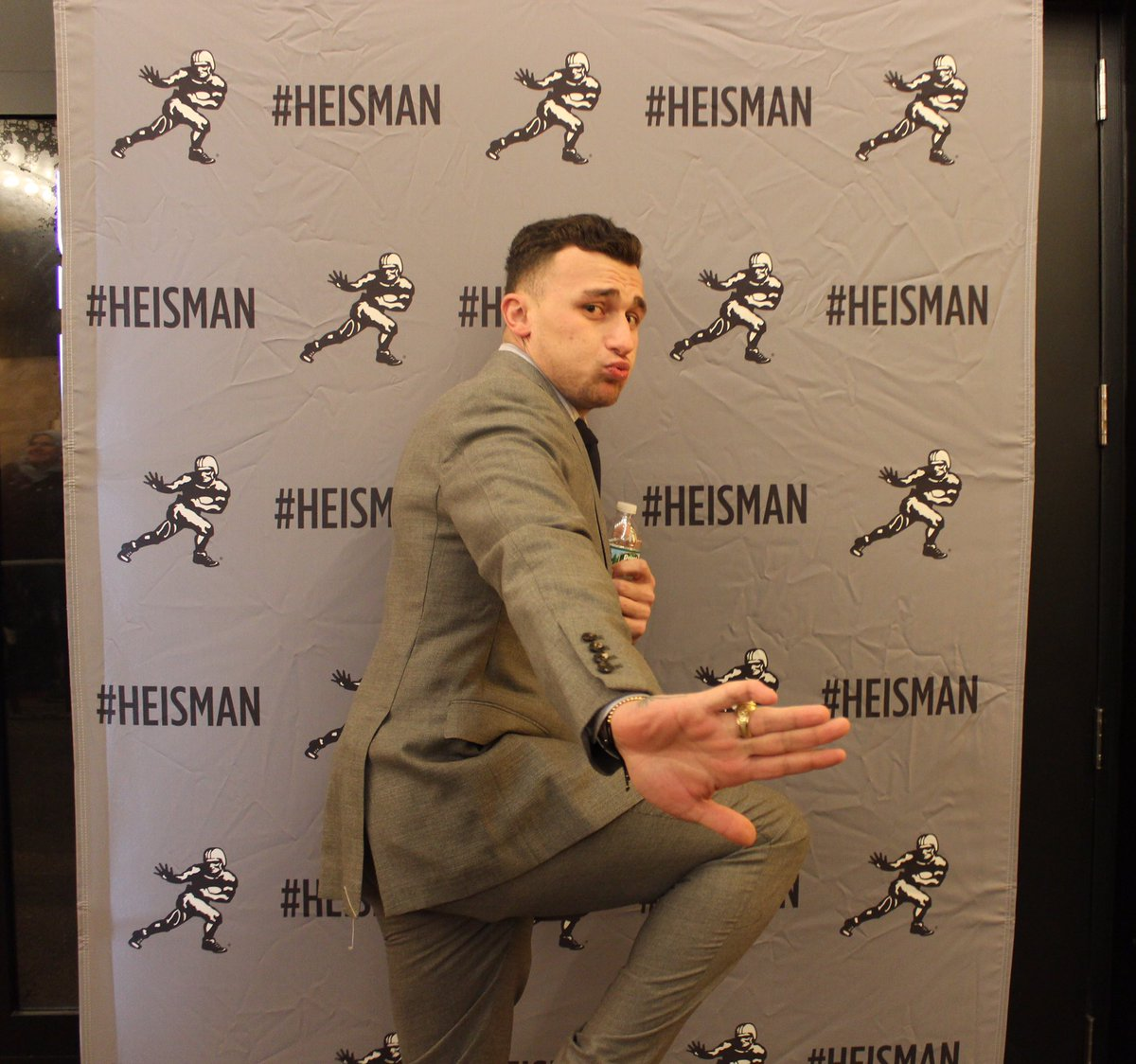 Johnny Football in the building #Heisman (via @HeismanTrophy) https://t.co/5jNHqYgvgZ