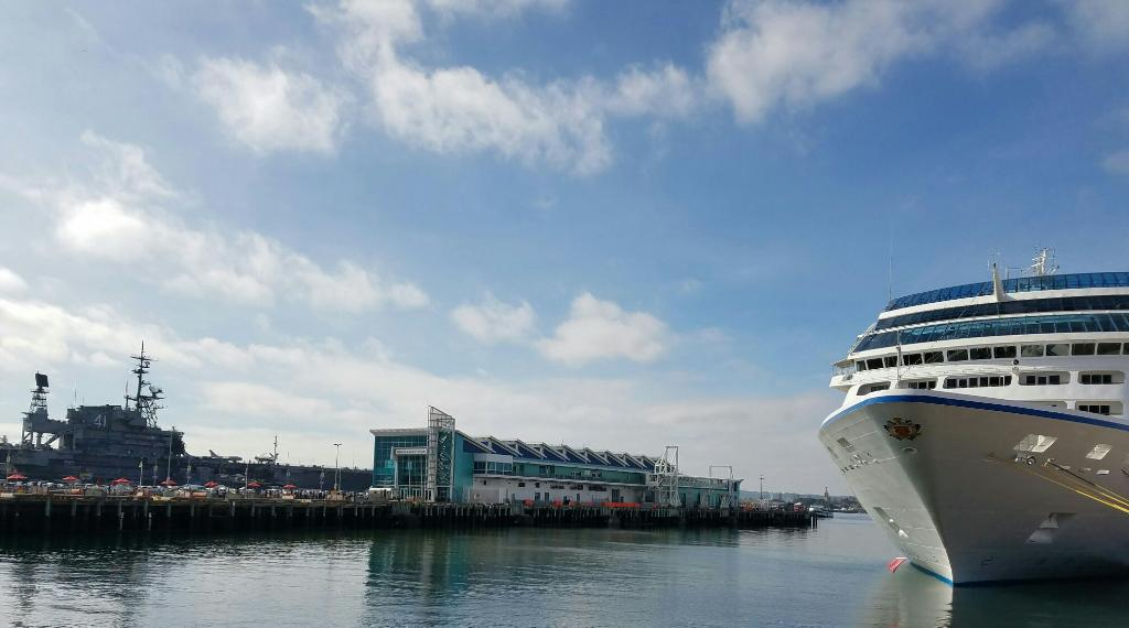 Busy, beautiful day at Broadway Pier with @USSMidwayMuseum, @makersarcade and cruise ship Sirena in port.
