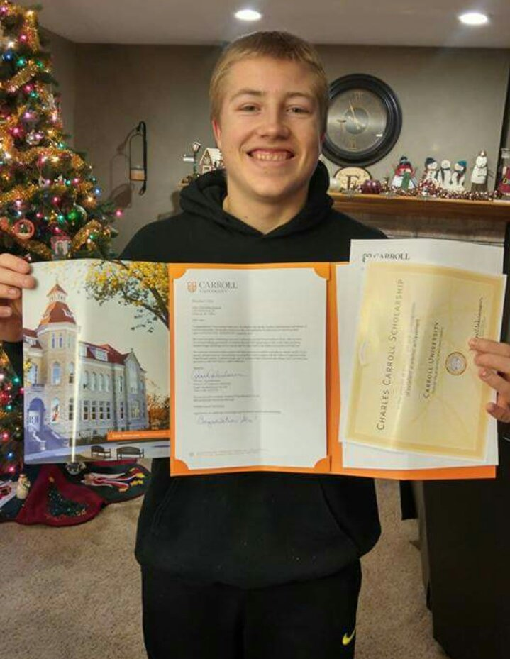 Also proud to announce that I have received a college acceptance letter from @carrollu! Very exciting week! #GoPios https://t.co/rM8bwHHYJH