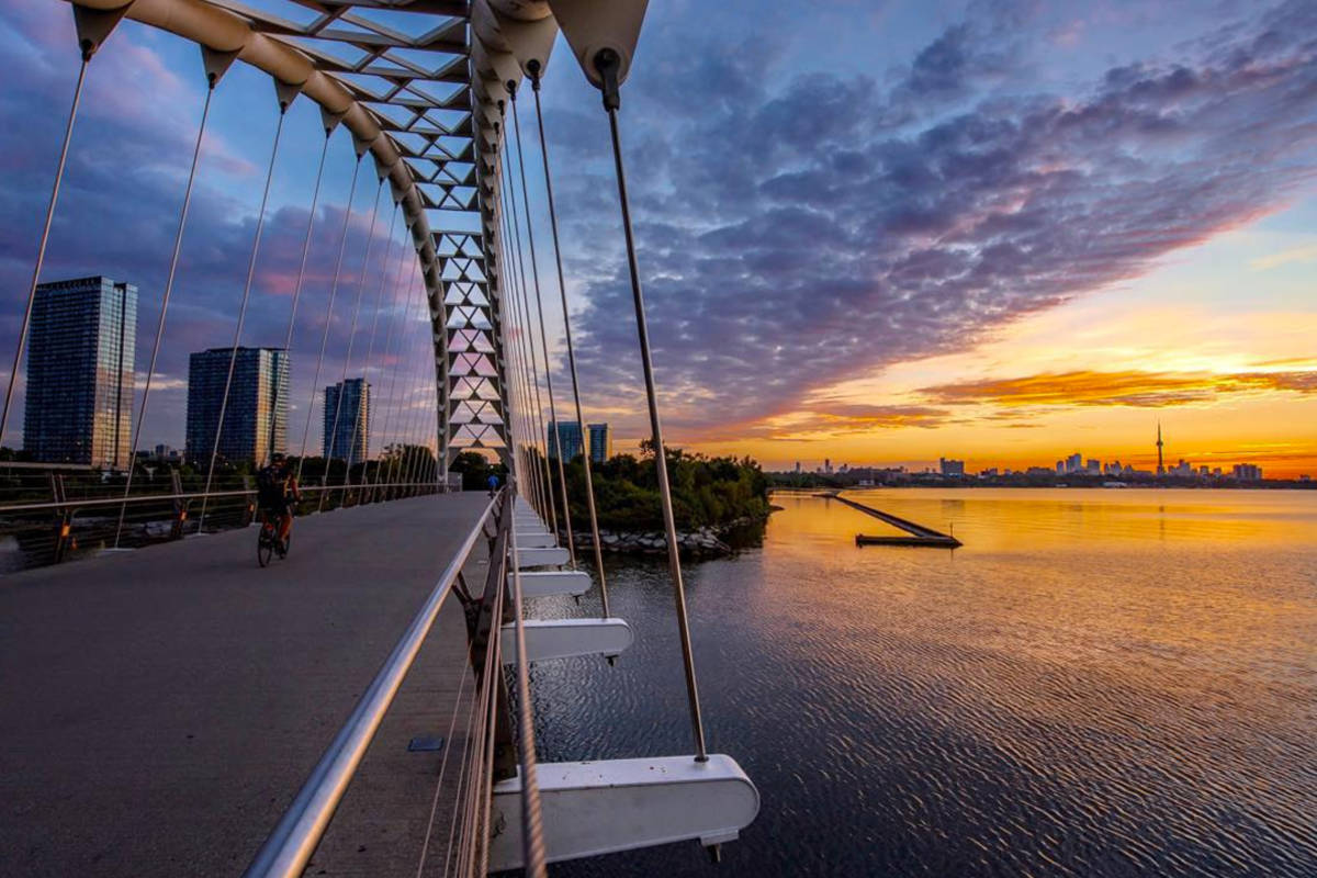 Instagram star captures the grace of Toronto at dawn