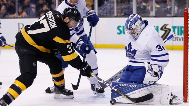 Matthews, Hyman score in Leafs' 4-1 takedown of Boston