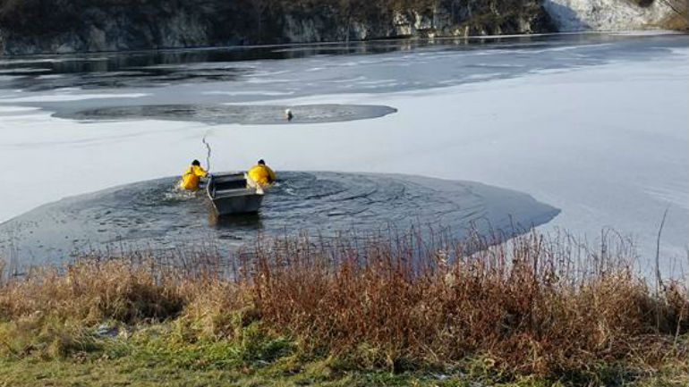 Cedarburg: Dog rescued from Zuenert Park waters after falling through ice