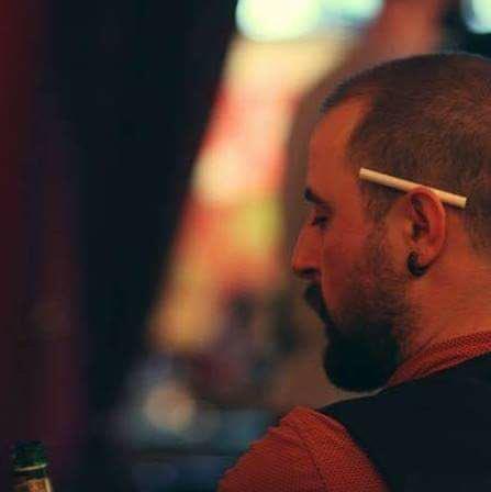 Dün akşam yaşanan Beşiktaş'taki saldırıda illüstratör İsmail Koç yaşamını yitirdi. Çok üzgünüz... https://t.co/YGPdPs0gM9