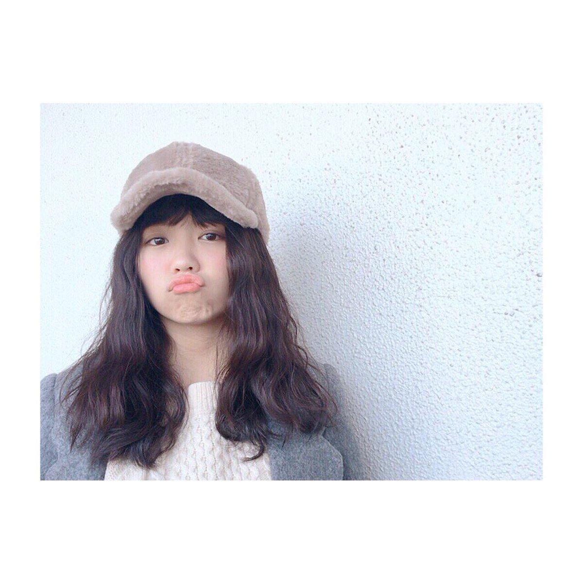 インスタに私服のブランドとか載せよっと♡) Dream5 大原優乃pic.twitter.com/gqIR9dso0F