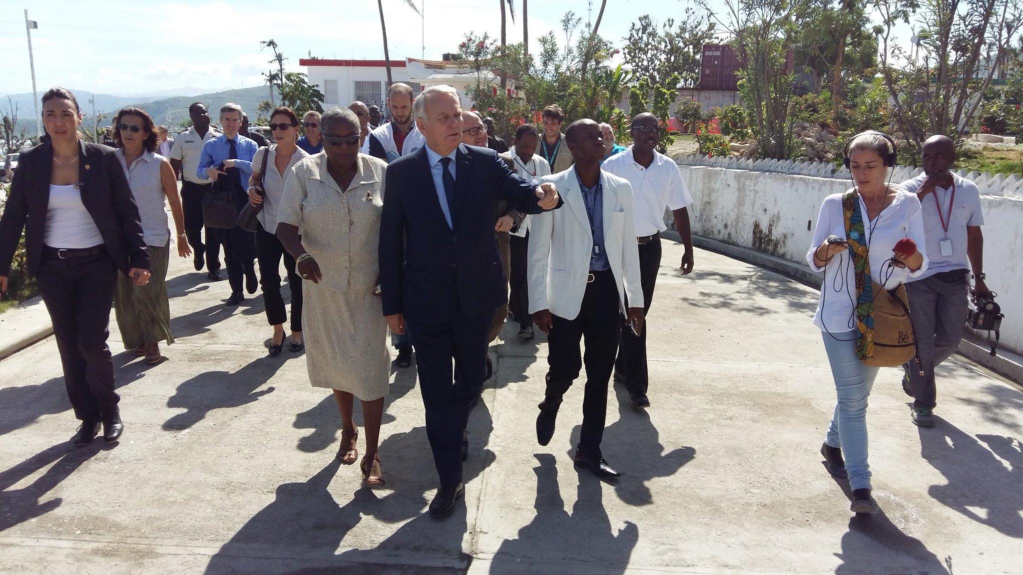 Visite de l'hôpital de Jérémie, réhabilité après le passage de l'ouragan, grâce notamment au soutien de l'@AFD_France #Haïti https://t.co/KNumRV5vzV