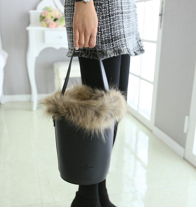 Simple Real Raccoon Fur Bucket Bag
