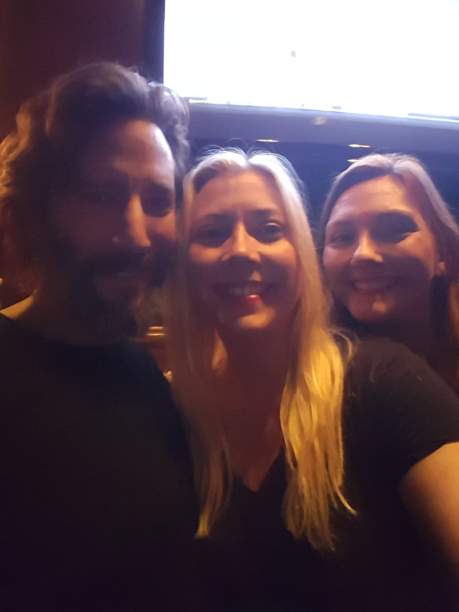 We super love this guy. So talented. So thoughtful. Cc @hicusick & @shawnabenson #The100 https://t.co/kMUls84W6t