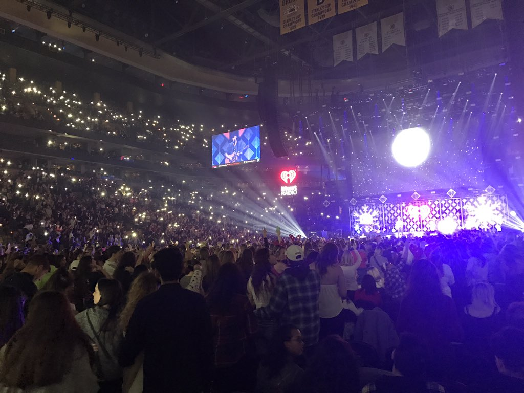 A #Kiss108jingleball without @ShawnMendes is like a sky without stars ✨ https://t.co/ptyaw8Bted