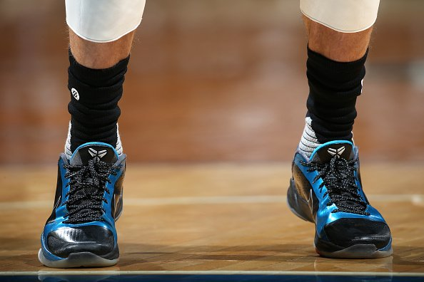 reputable site b19f9 81033 Dark Knight Nike Kobe : SoleWatch ZachLaVine wearing Dark ...