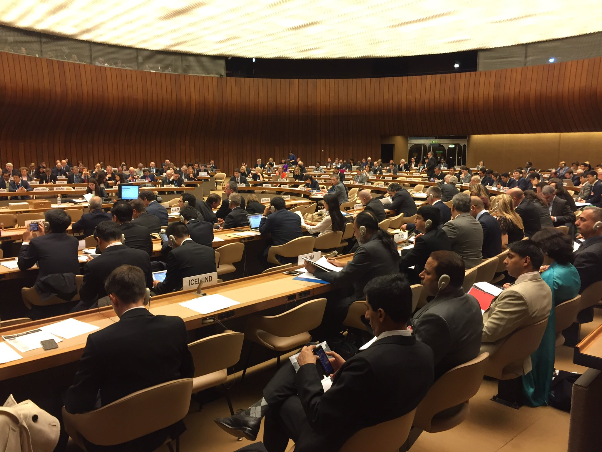 Very full room for this #CCWUN Review Conference with approx 100 states. Swift adoption of agenda, rules of procedure, approval of roles https://t.co/uezyF2sT17