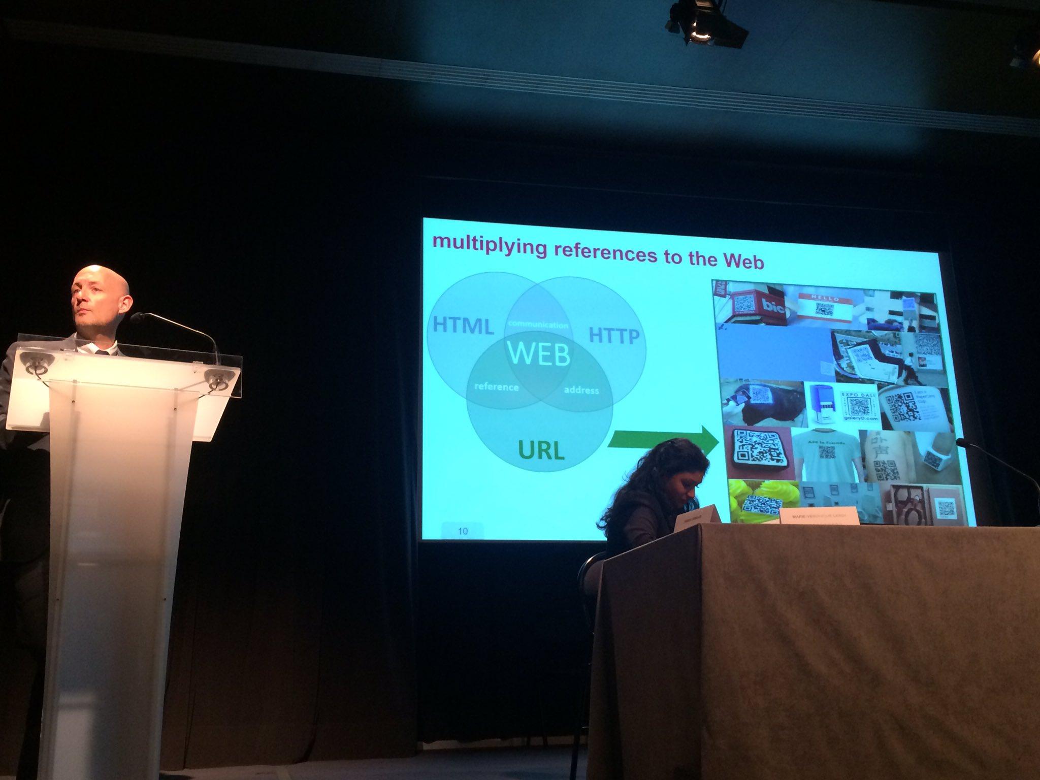 """@fabien_gandon  @Inria """" #QRcode plongez le web dans le monde réel """" #webSemMCC poke @hls1138 :-) https://t.co/UeugdcWxb6"""
