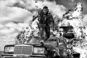 「マッドマックス 怒りのデス・ロード」モノクロ版、BD発売前に劇場公開決定 https://t.co/NvprFdwTzH https://t.co/rxmohgvMVn