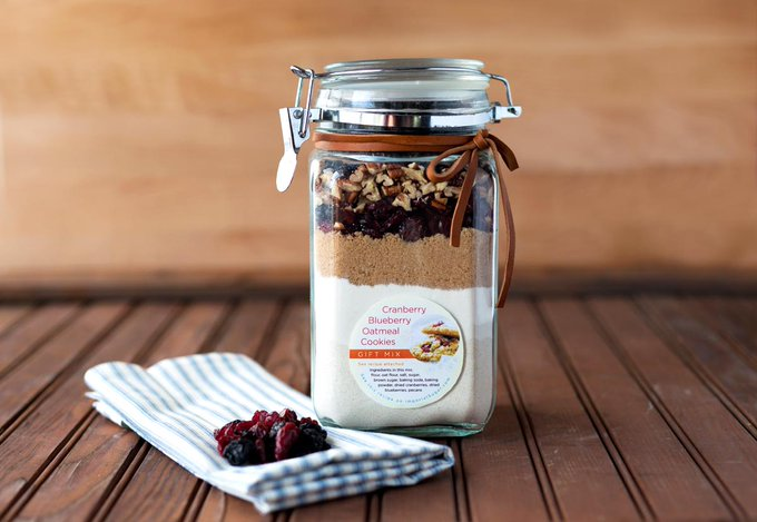 Recipe: Cranberry Blueberry Oatmeal Cookie Gift Mix