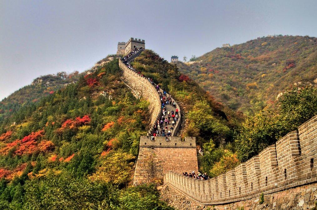 La Grande #Muraille de #Chine est la structure #architecturale la plus importante jamais construite par l'Homme (longueur, surface et masse)<br>http://pic.twitter.com/A8kuYq4rWp
