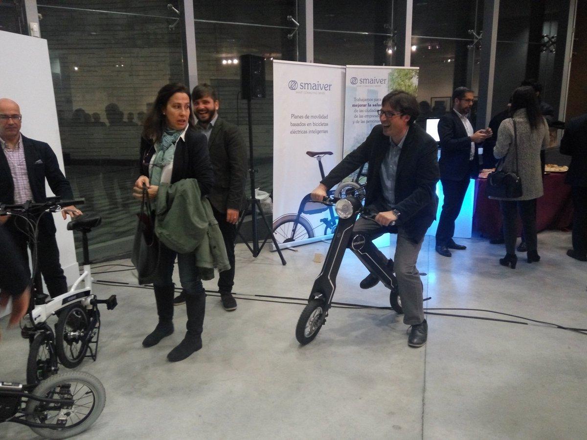 @Agustin_Martin probando el producto de uno de nuestros acelerados #Smaiver #DemoDayAlcobendas @eoi https://t.co/xEKJAPIyFl