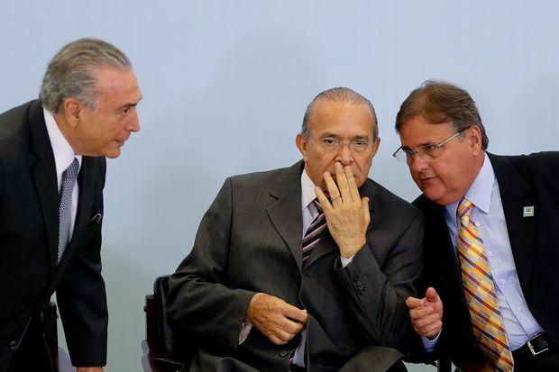 Vinicius Mota | Política está entre o cataclismo e a acomodação cínica https://t.co/4H450t9Xf9