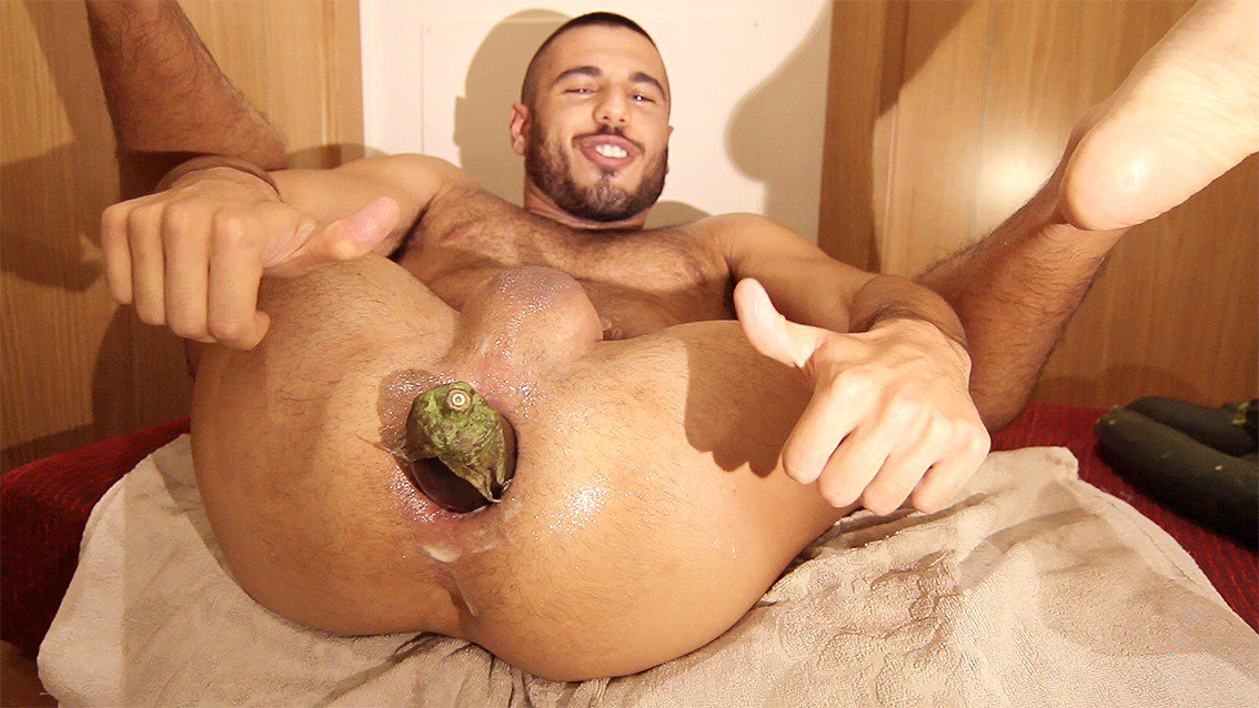 image Stocky guy and his big dick makes her squirt everywhere