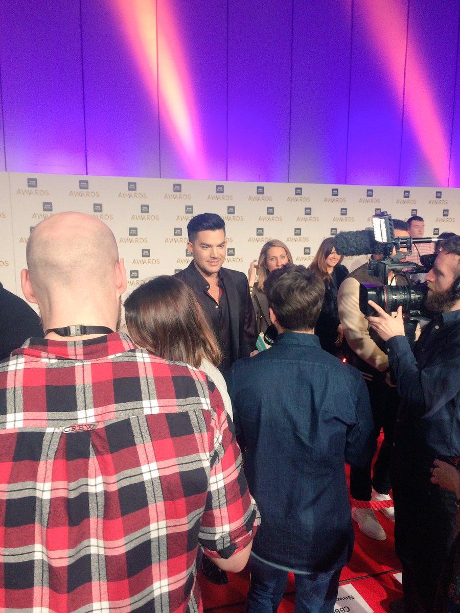 The king @adamlambert has arrived #BBCMusicAwards 👑