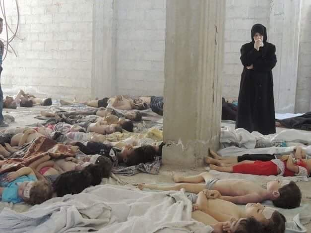 Це пекло: Після штурму армії Асада вулиці Алеппо всипані тілами загиблих (ФОТО, ВІДЕО 18+) - фото 7
