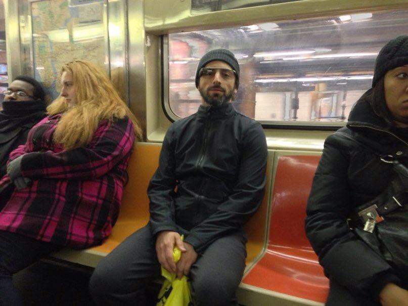 Сергей Брин,основатель Google и миллиардер спокойно перемещается на метро. https://t.co/P2CFwfKflr