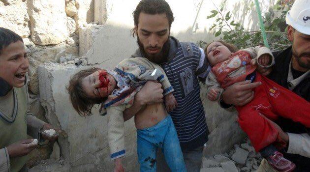 Це пекло: Після штурму армії Асада вулиці Алеппо всипані тілами загиблих (ФОТО, ВІДЕО 18+) - фото 10