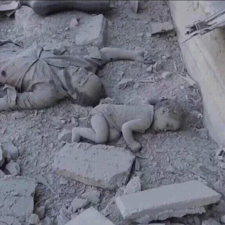 Це пекло: Після штурму армії Асада вулиці Алеппо всипані тілами загиблих (ФОТО, ВІДЕО 18+) - фото 11