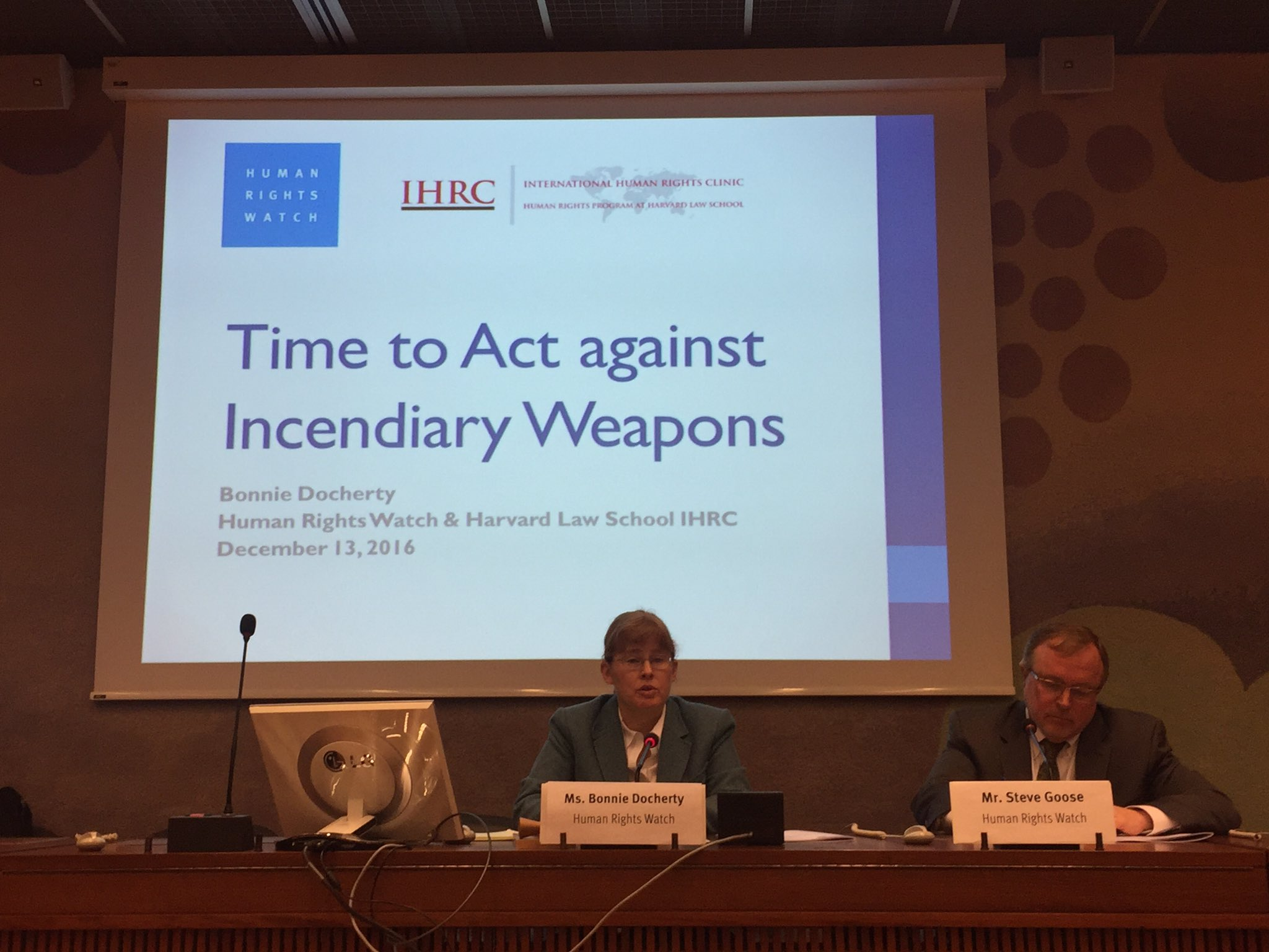 24+ countries, @icrc, NGOs expressed concern on incendiary weapons yesterday, supported calls to revisit #CCWUN Protocol III - build on that https://t.co/QclESonR4q