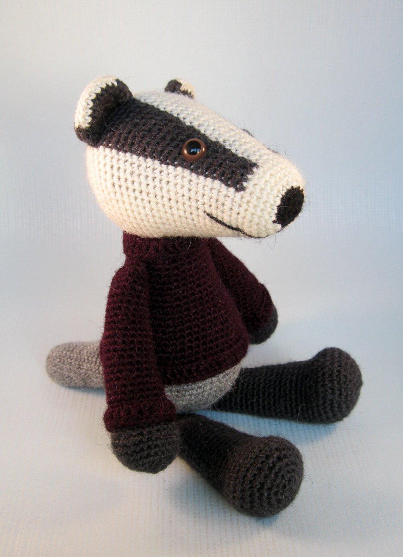 Bill the Badger amigurumi pattern - Amigurumipatterns.net | 1382x1000