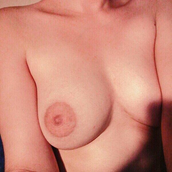 Nude Selfie 9718
