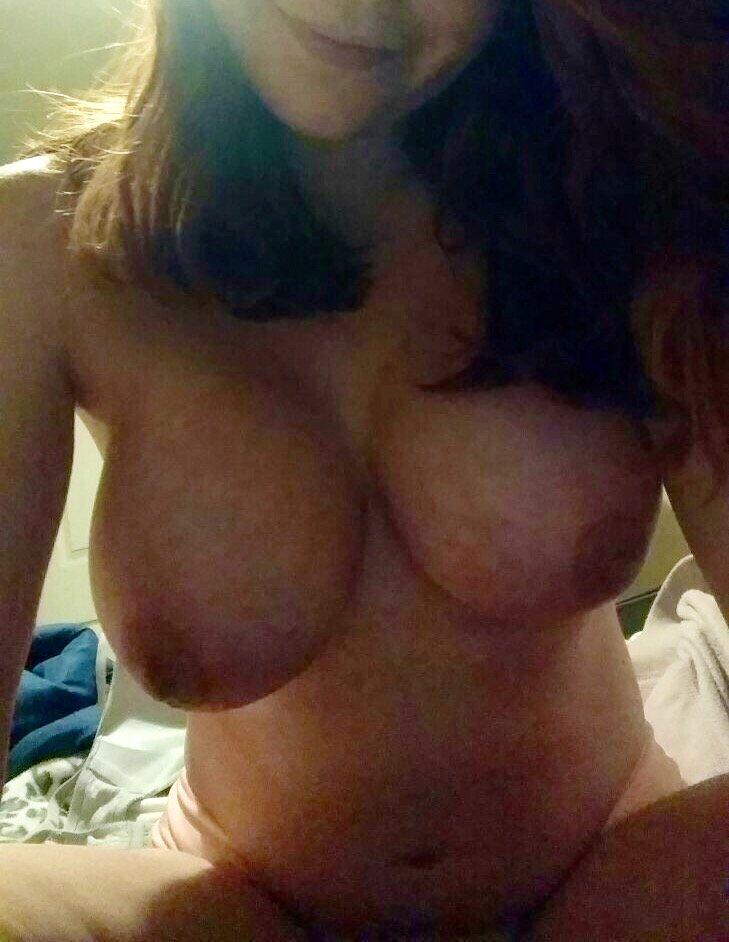 Nude Selfie 9752