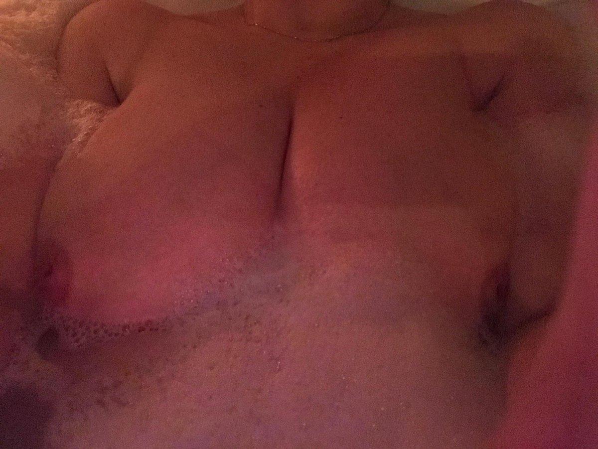 Nude Selfie 9776