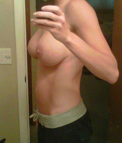 Nude Selfie 9790