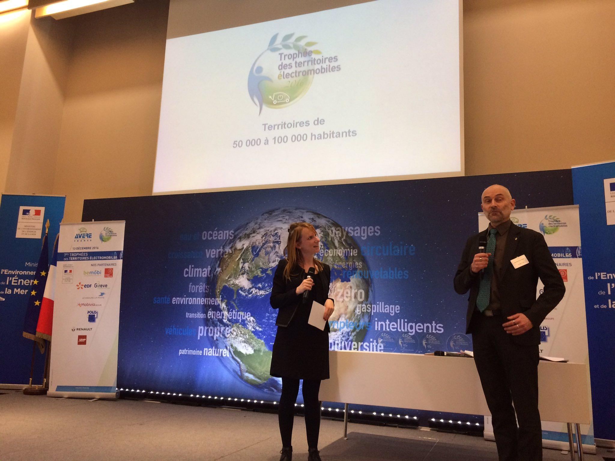 .@renault_fr va remettre notre 3eme des #TrophéesVE à un territoire exemplaire pour la #mobilité #électrique ! https://t.co/I4GxINxYgb