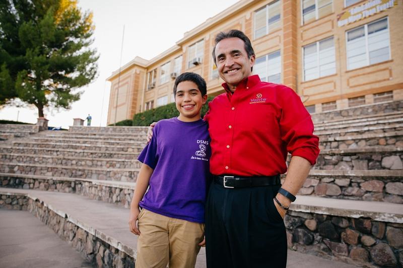 Nogales USD is preparing students for a cross border dual language world https://t.co/RLmb52cttC via @USCCFoundation #ELL https://t.co/Cdu8eaB0XF
