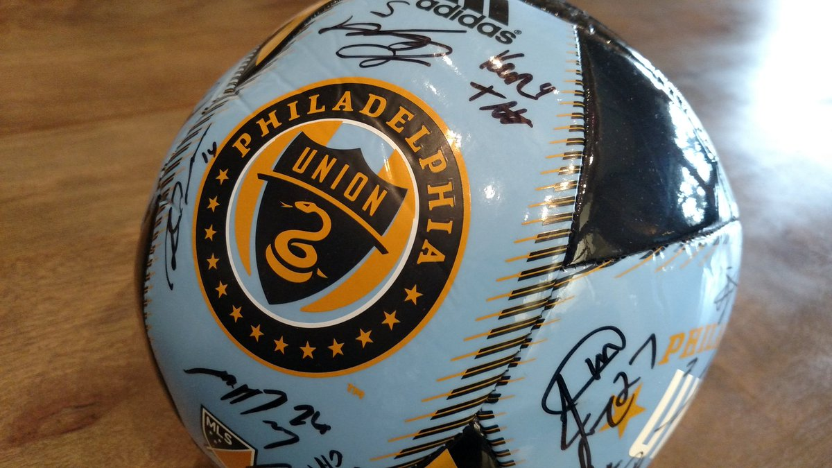 It is the season of giving, sooooo give us a RT for a chance to win this team signed ⚽️. #DOOP https://t.co/7f303oGXUA