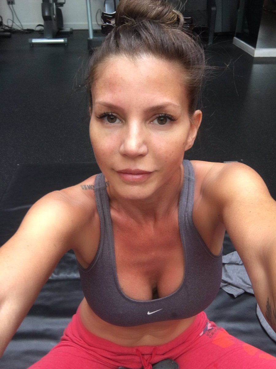 cleavage Charisma carpenter
