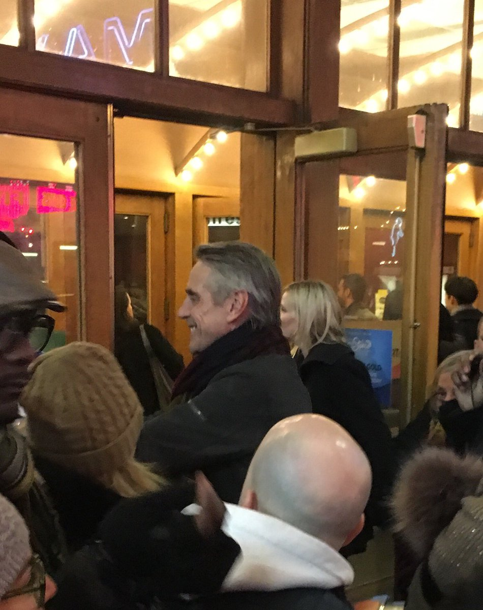 Just walked in front of Jeremy Irons arriving at a movie theatre! https://t.co/awPElYNuqD