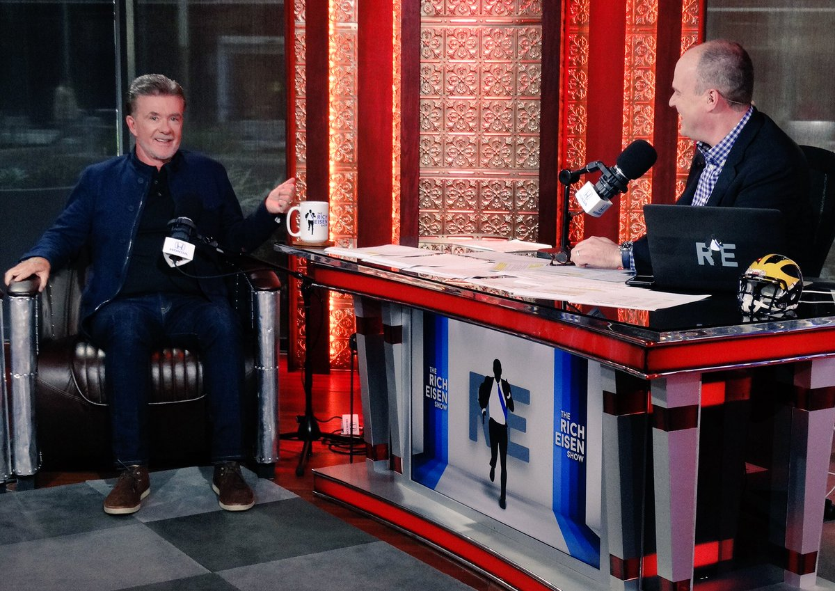RIP to our friend @Alan_Thicke, who was with us just last week. Gone too soon. Thoughts and prayers to his family. https://t.co/rhl4IZaodw
