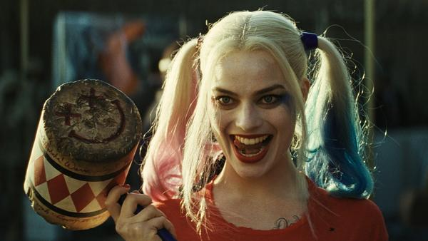 (LA Times) #David Ayer is making an all-female villain #movie, with Margot Robbie..  http://www. inusanews.com/article/282533 1612/david-ayer-margot-robbie-harley-quinn-all-female-making-villain-reprising &nbsp; … <br>http://pic.twitter.com/HLfdrbIHYb