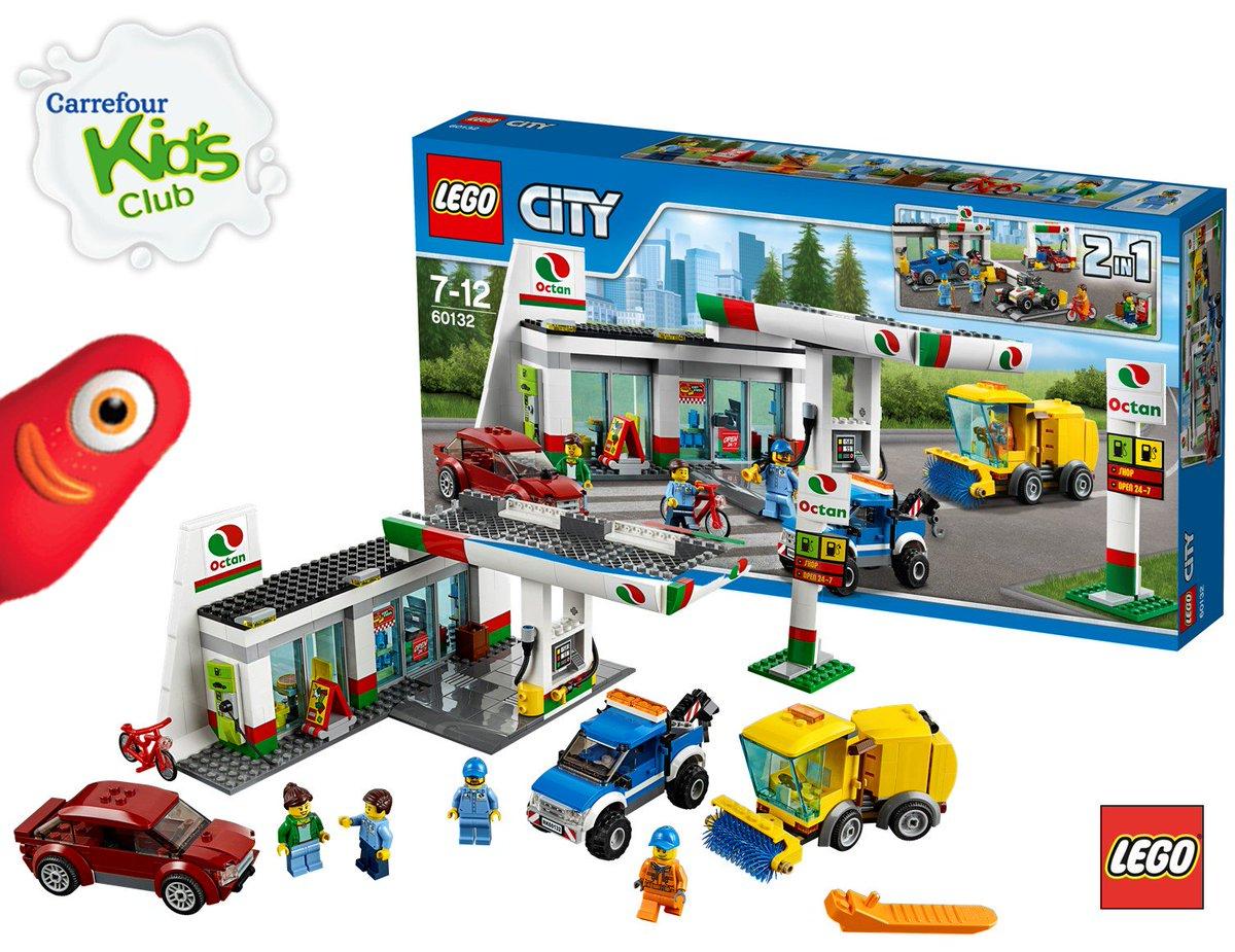 Calendrier De L Avent Lego Star Wars Carrefour.Carrefour On Twitter Dans Un Elan De Generosite Le