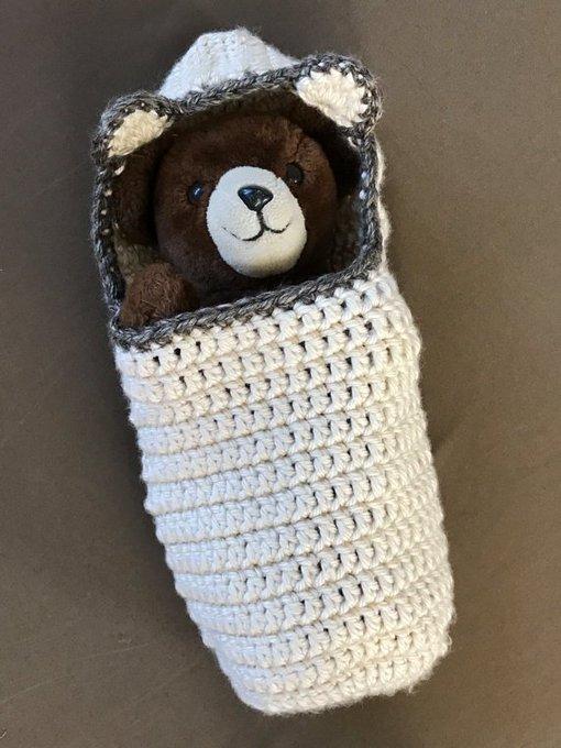 Crochet Cocoon Pattern, Newborn Photo Prop, EASY CROCHET PATTERN, Chunked Hoody Bear Cocoon