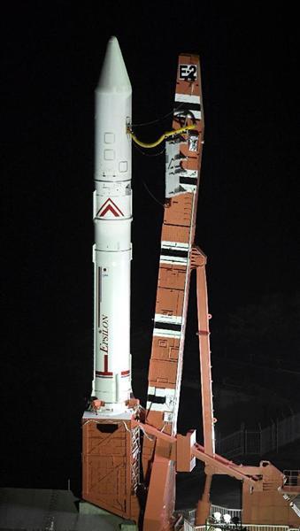 """小型ロケット「イプシロン」2号機を公開 能力アップの""""強化型""""、20日に打ち上げ https://t.co/sCOadSAOMR #イプシロン"""