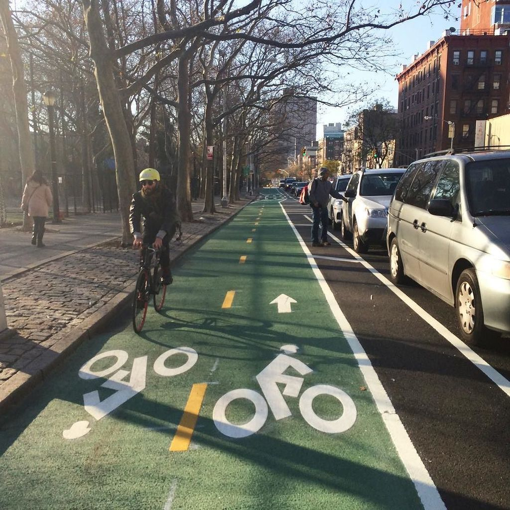 It's gorgeous #bikenyc @ Chrystie St  https://t.co/AWo2894hNA https://t.co/VETyrZkmyg