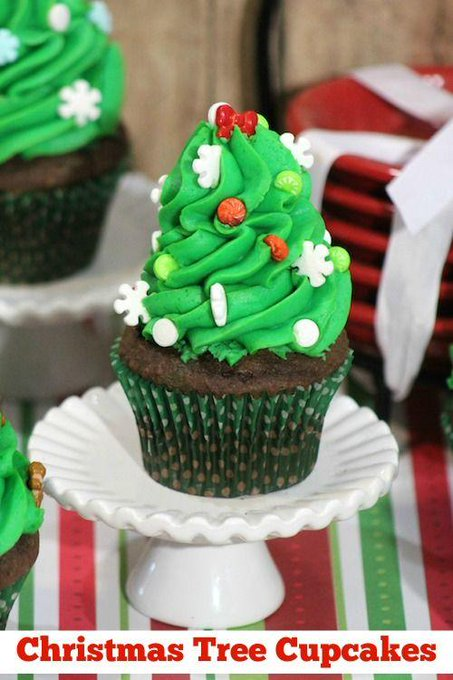 Christmas Tree Cupcakes #Recipe