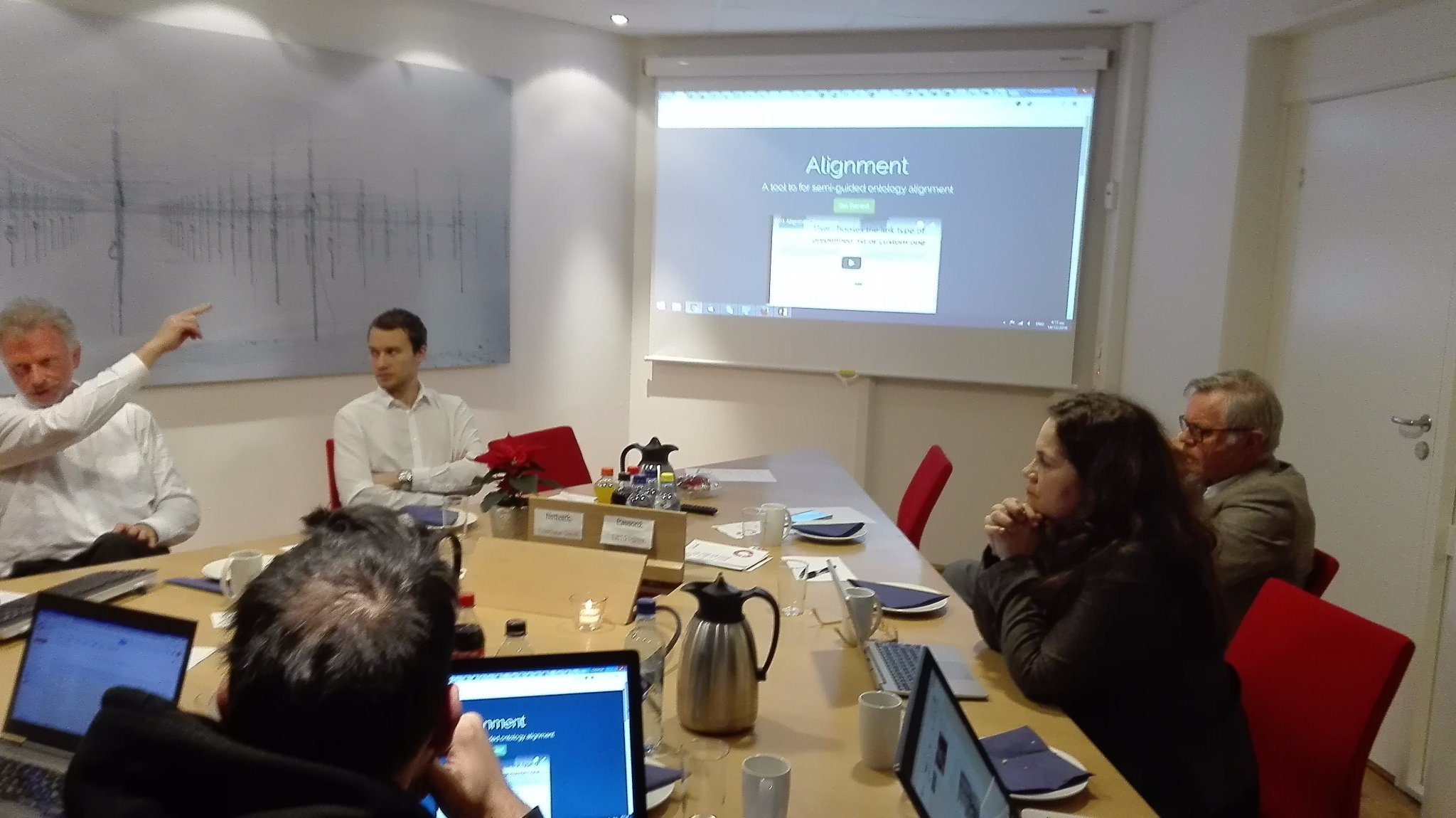 @bratsas presents Alignment https://t.co/5GJadQ0jAp tool for semi-guided ontology mapping during @lovdata meeting @WeRallCitizens https://t.co/vaRCFWqQuu