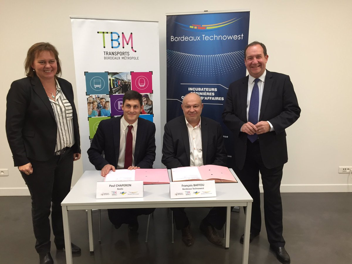 """Signature de la convention """"Cité Pass Salarié"""" entre @Bdx_Technowest & @info_tbm pour entreprises hébergées & accompagnées par la technopole"""