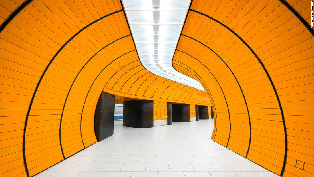 So it is Munich that has my ideal simple, colorful subway stations. https://t.co/qaWB2Jurdb
