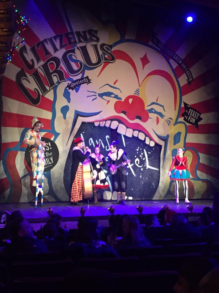 "Primary 5 had a great day out at the @citizenstheatre panto! ""Oh no they didn't!""...""Actually oh yes they did!"". https://t.co/BWCO2Io6aM"