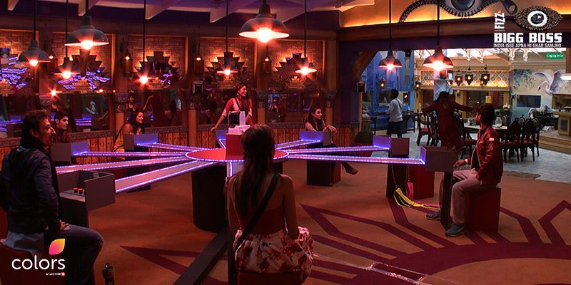 Bigg Boss 10: Mona Lisa's boyfriend Vikrant Rajpoot calls it quits?