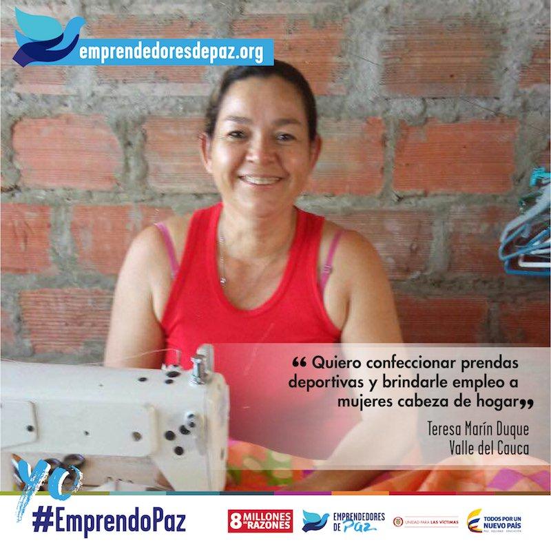 Para Teresa la confección es una forma de sanar las heridas de guerra. ¿Le ayudas? https://t.co/2dHUaayz7i #EmprendoPaz #8MillonesDeRazones https://t.co/Ih101TqsPq